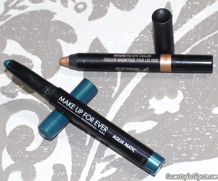 Here is a teal and gold eye makeup look I did with eyeshadow crayons and how to achieve it.