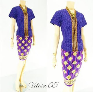 Model blus terbaru kombinasi batik untuk remaja muda