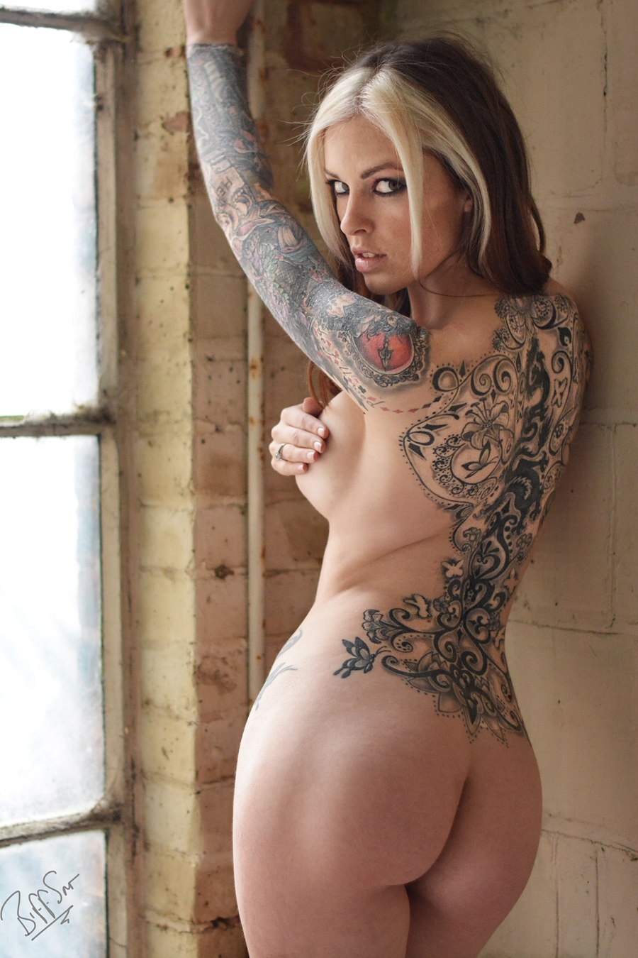 Full body tattoo nude