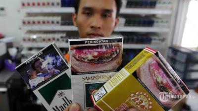 Hukum Merokok Saat Berpuasa