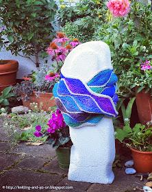Free Knitting Pattern - Almendra Cowl