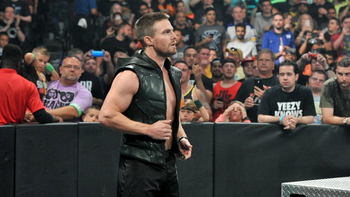 Stephen Amell diz que Randy Orton está na melhor fase de sua carreira
