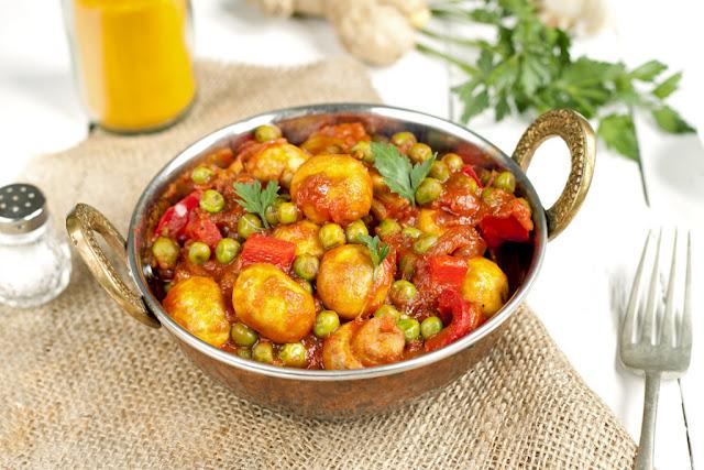Curry z pieczarek i zielonego groszku