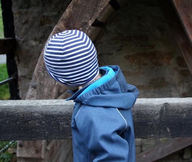 Bornholm mit Kindern im Herbst. Teil 3: 10 tolle Ausflugsziele für Familien auf Dänemarks Sonneninsel. Das Rad der Mühle hat unseren großen Jungen fasziniert.