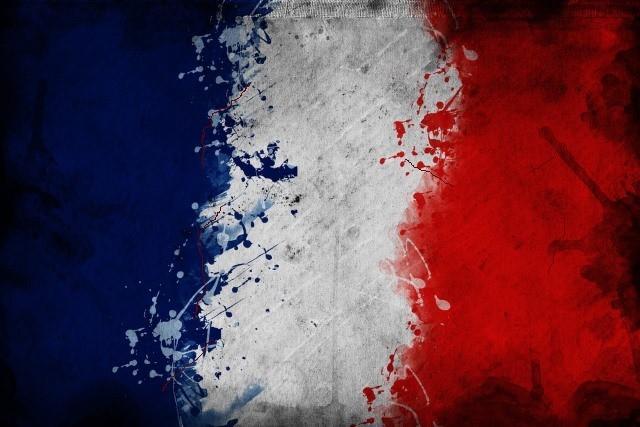 بعد هجوم بشاحنة في نيس، تقدم Google مكالمات مجانية إلى فرنسا والفيسبوك ينشط سلامة الوصول