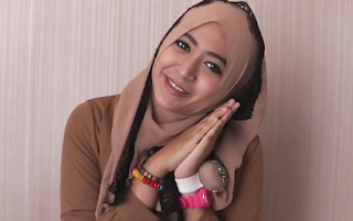 Tutorial Hijab Segi Empat Paris Renda