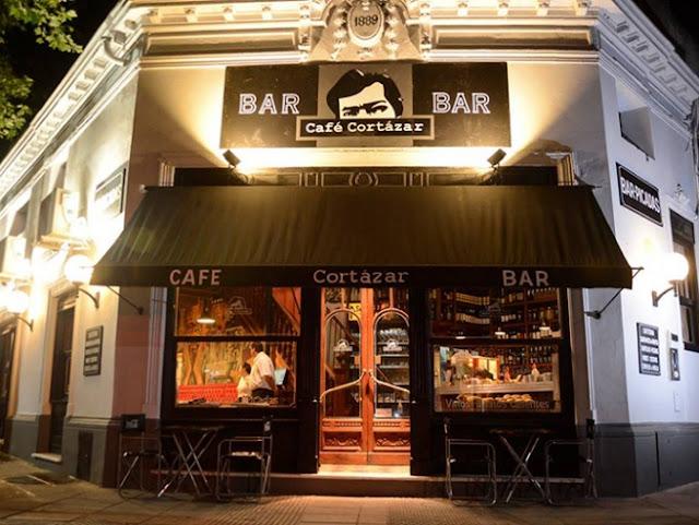 Visiten en Buenos Aires el primer café temático sobre Julio Cortázar