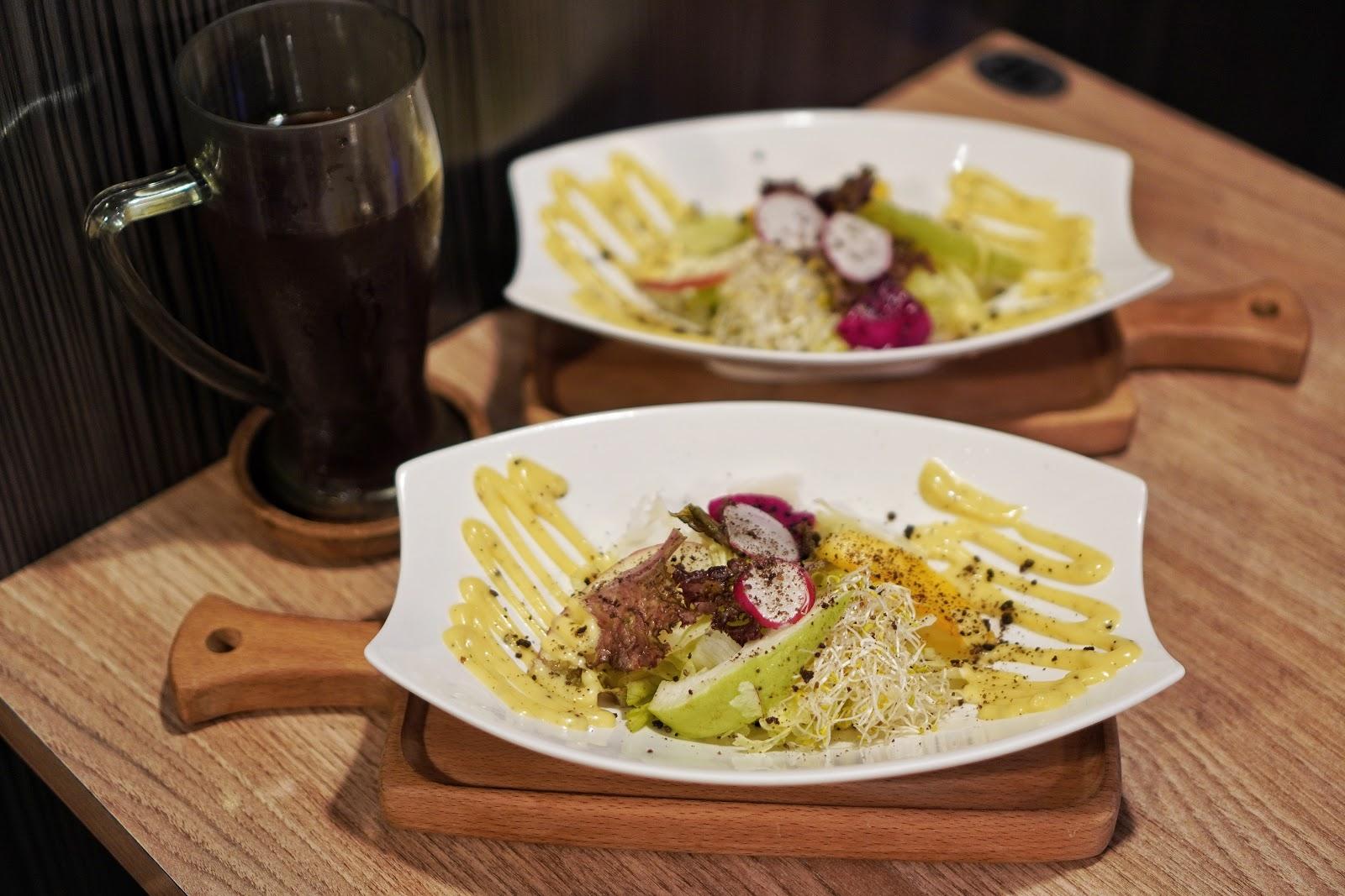台南中西區美食【丹妮牛排】附餐生菜沙拉及飲料