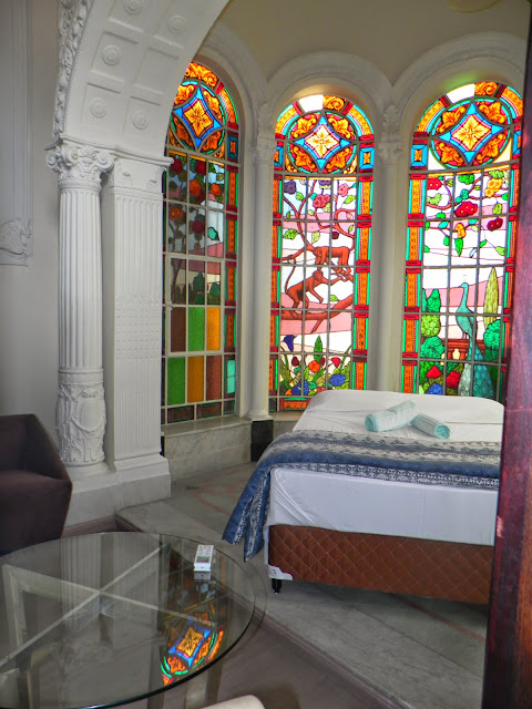 Resultado de imagem para vitrais em residencias