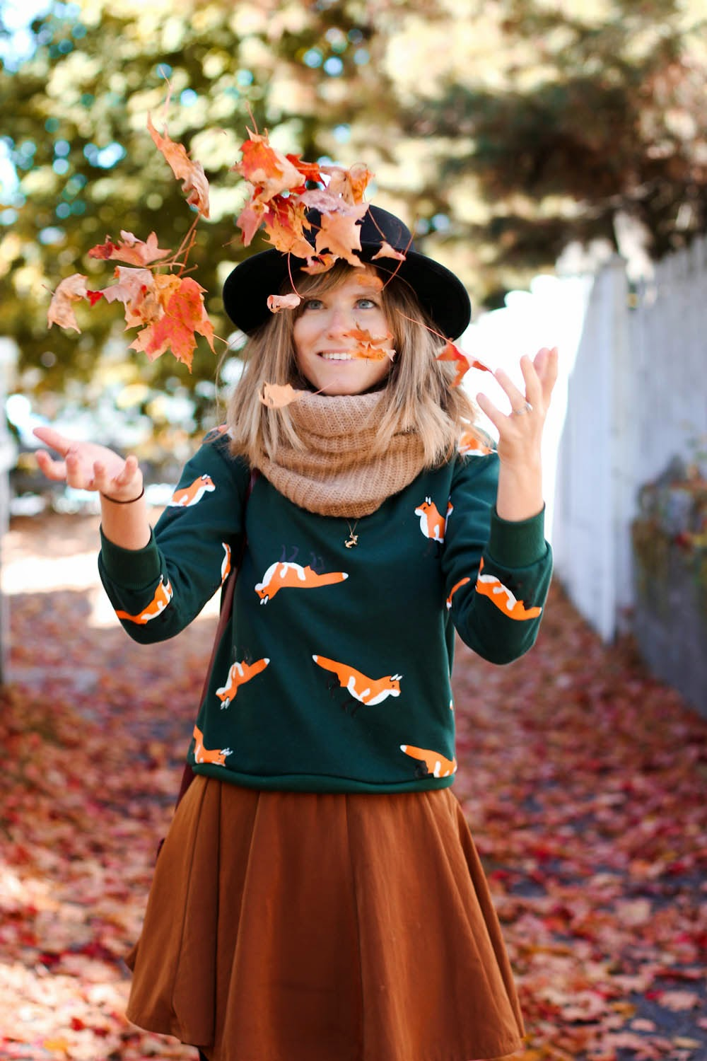 nyc vintage blog, vintage blog, nyc vintage fashion blog, foxes sweater, forever 21 circle skirt, fall style post