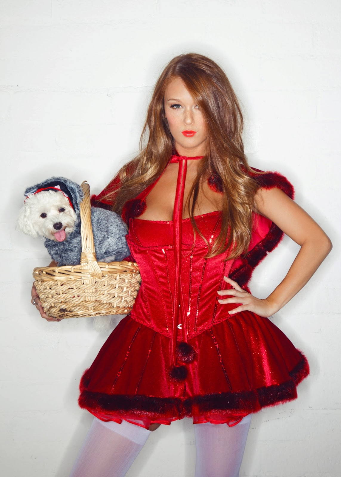 The Mirror Leanna Decker Lady In Red