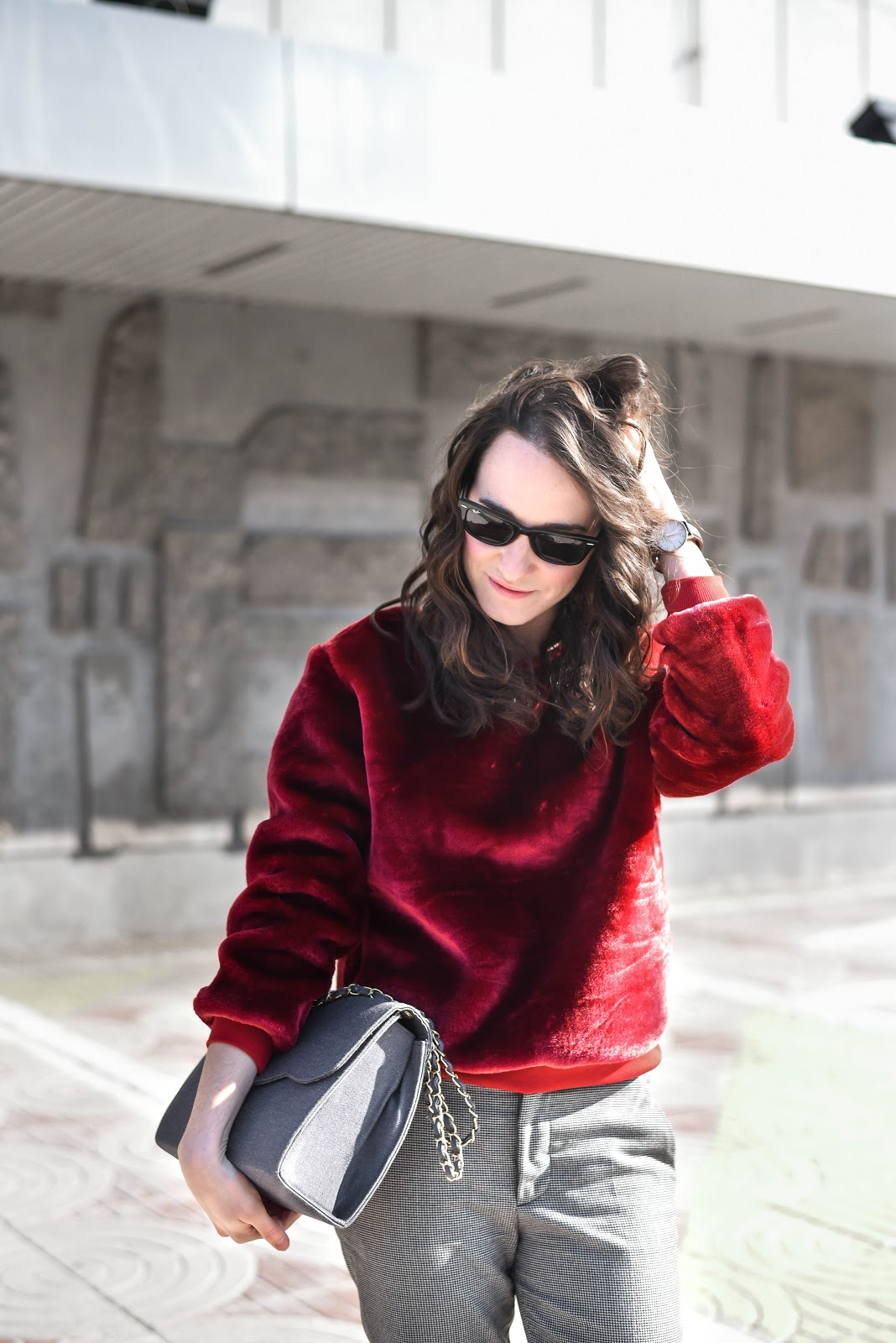 how_to_wear_red_look_velvet