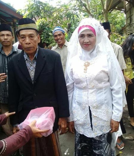 60 Tahun Nenek Setia Menunggu Kekasih ! Agar Bisa Menikah Dengannya