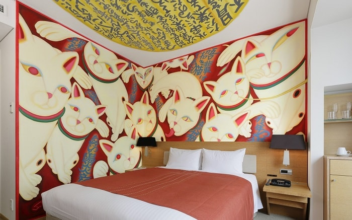 No. 18 – Park Hotel Tokyo Artist Room 'Lucky Cat' designed by Hyogo Mino