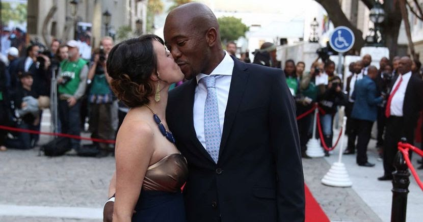 Mudslinging >> #YesDAWins: Mmusi Maimane and his wife Natalie celebrate 11 years of marriage - The Edge Search