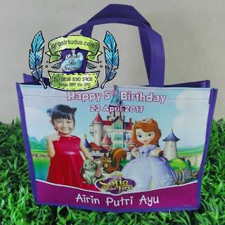 tas souvenir ulang tahun sofia