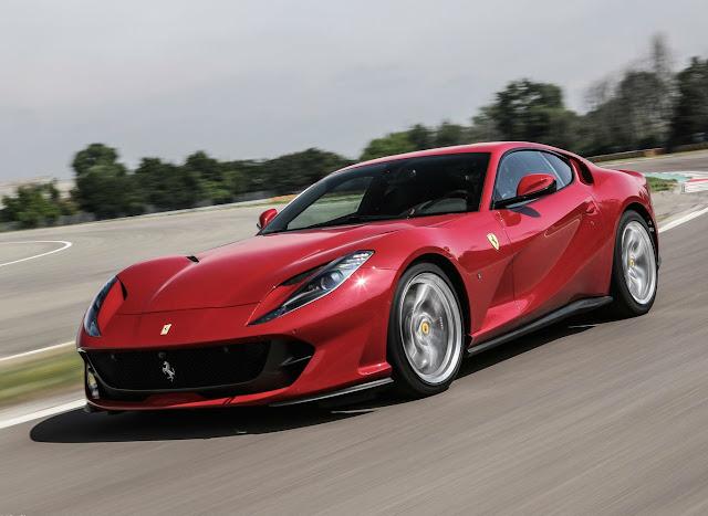 Ferrari está a punto de lanzar la versión convertible del 812 Superfast