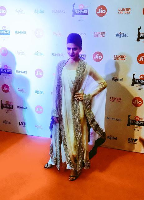 Samantha Stunning at the Filmfare Awards South 2017