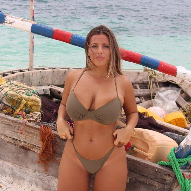 Hot nude moms fucking