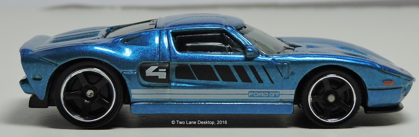 Two Lane Desktop: Comparison: Matchbox 2016 Exotics 5-pack