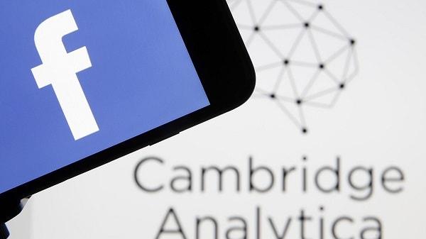 كامبردج أناليتيكا تقسو على الفيسبوك من جديد
