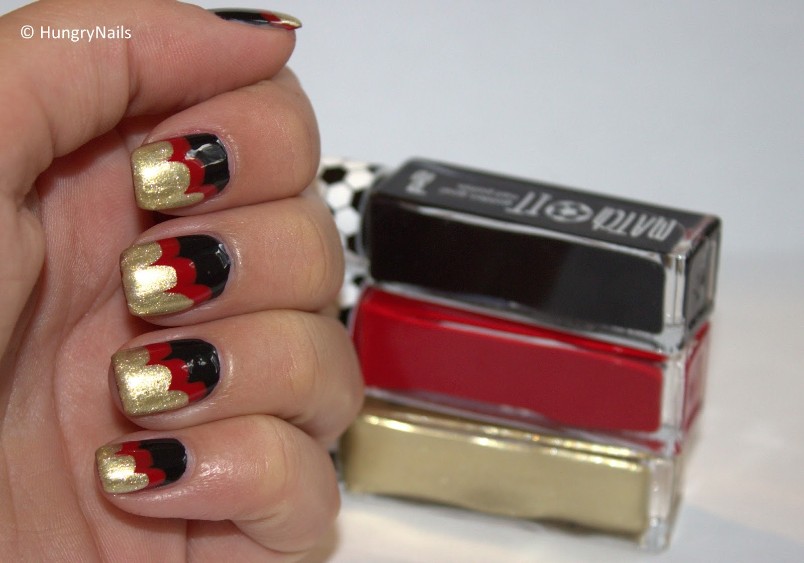 http://hungrynails.blogspot.de/2014/07/last-minute-tutorial-fifa-wave-design.html