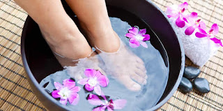 Love2Smile, környezet- és bőrbarát, natúr szappan, láb, lábápolás, gombás, gomba kezelése, házilag, köröm, szódabikarbóna, teafa, borsmenta, illóolaj, vegán, vegyszermentes, természetes, tiszta, pálmaolajmentes, állatkísérletmentes, kézműves, prémium,