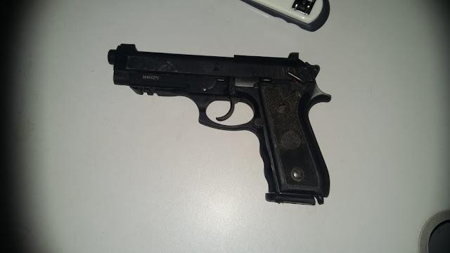 Policial é esfaqueado e tem arma roubada após briga em Barro Duro