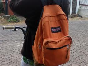 Keke Mulai Bersepeda ke Sekolah