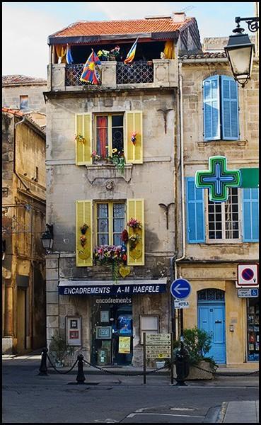 LA FOTO DE HOY: Shutters, Arles, France 1