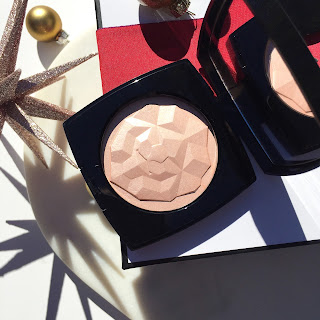 54b089306c Chanel Le Signe du Lion Illuminating Powder in Or Rose · the beauty ...