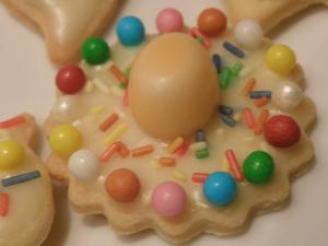 Mailänderli - einfaches Buttergebäck zum Ausstechen und Verzieren