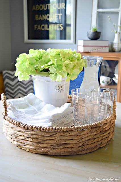 Beautiful and simple farmhouse table centerpice.