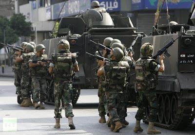la proxima guerra soldados militares libaneses beirut libano patrullando ciudad tanques