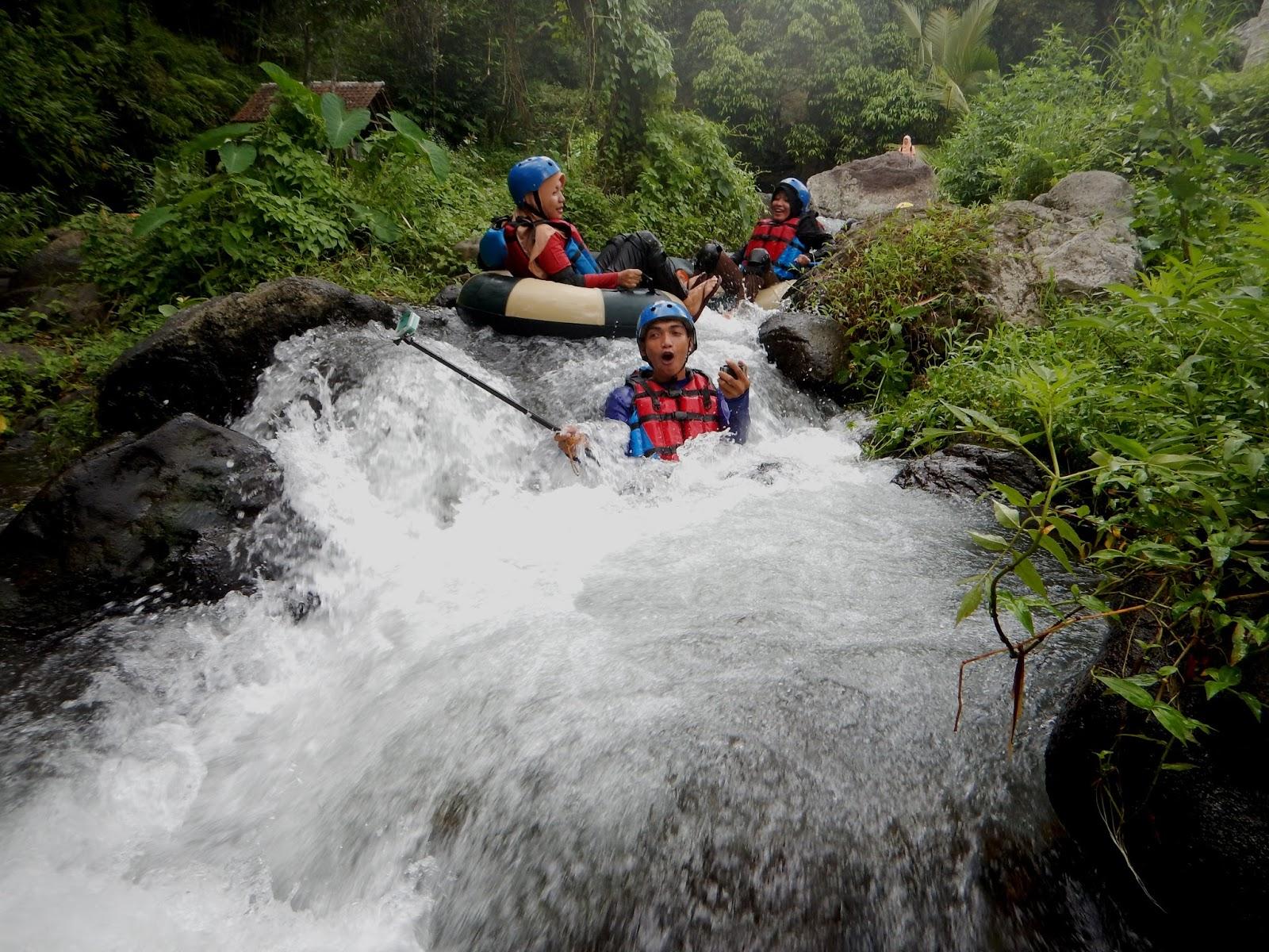 Wisata Tubing Di Sungai Mencerit Lombok Timur Lombok Atraktif