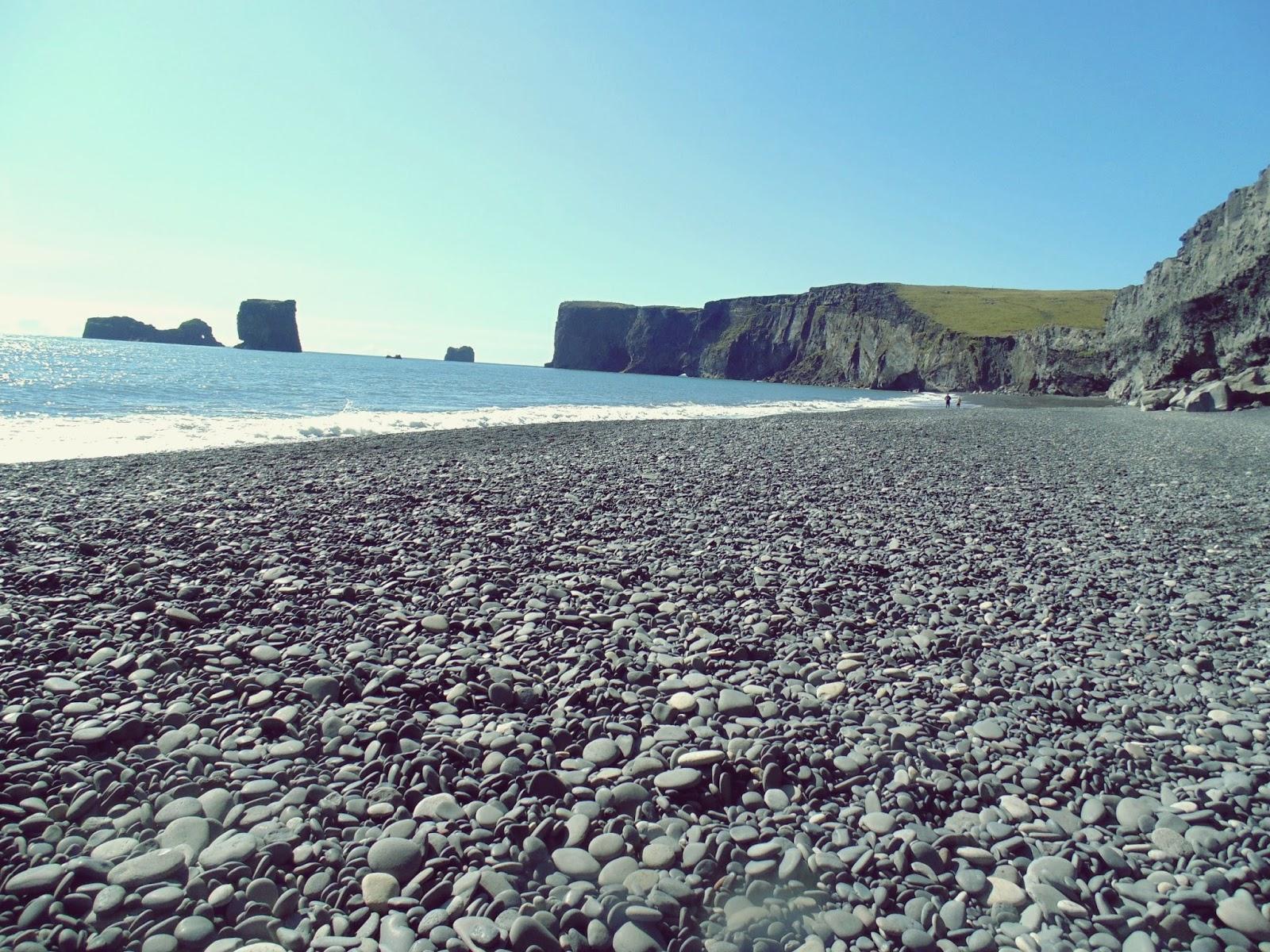 Islandzka plaża, Islandia, plaża, czarna plaża, kamienista plaża, powiedzenia, znajdę Cię na plaży, ocean, skały