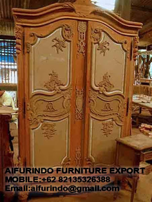 CLASSIC WARDROBE FURNITURE,ANTIQUE MAHOGANY REPRODUCTION ARMOIRE 2 DOOR WHITE FRENCH FURNITURE,CLASSIC GOLD AND SILVER LEAF FURNITURE,CODE  01