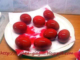 Πασχαλινά αυγά - πως τα βάφουμε με φυσικές βαφές ή του εμπορίου ⇒ από «Τα φαγητά της γιαγιάς»
