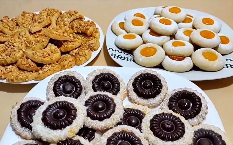 اروع حلوى للعيد 3 اشكال مختلفة بعجينة واحدة