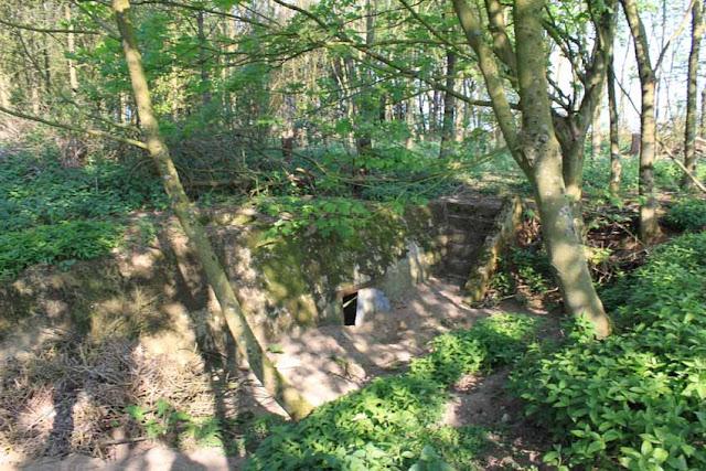 Bunkers autour de l'entrepôt de Dannes
