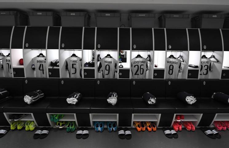 Juve u finalu Lige prvaka u crno-bijelim dresovima