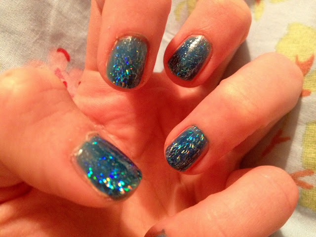 glitter, nail polish, blue, review, beauty