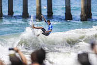 29 Filipe Toledo Vans US Open of Surfing foto WSL Kenneth Morris