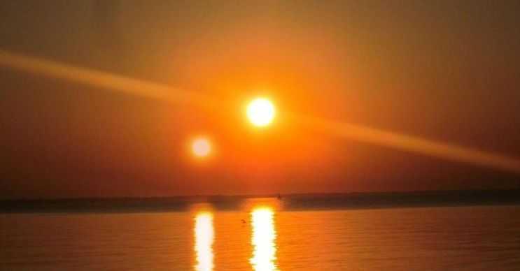 Bazı galaksilerde iki güneşi olan gezegenler bulunmaktadır, hatta Nuscorpi'nin 7 yıldızı vardır.
