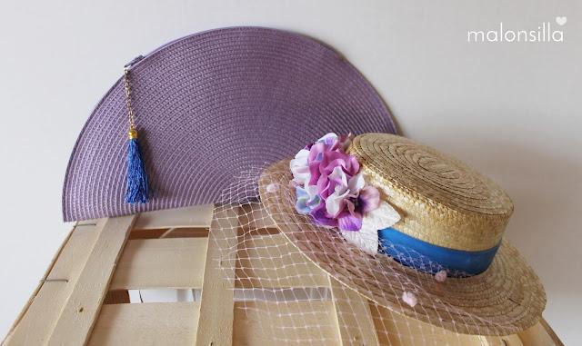 Sombrero de paja y bolso de rafia en color malva y azul klein