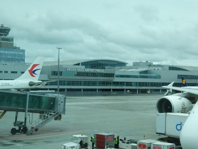 Emirates Airline to Prague