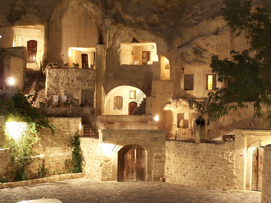 Yunak Evleri Cappadocia Cave Hotel designcombo