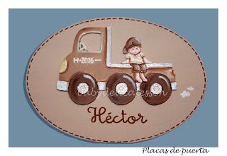 placa de puerta infantil niño en camión nombre Héctor babydelicatessen