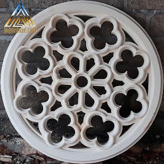 Ventilasi udara yang dibuat dari batu alam putih gunungkidul