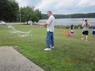 big brother party, diy giant bubble wands, diy giant bubble solution